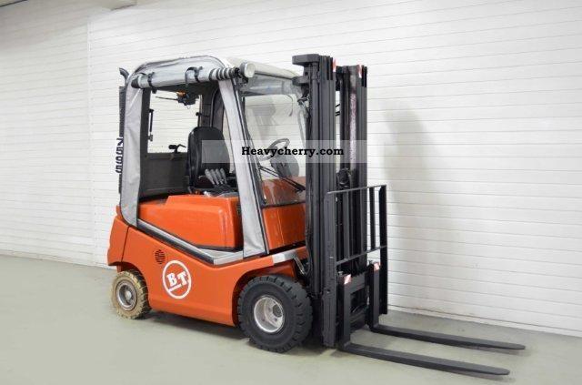 2005 BT  CBG 20, SS, TRIPLEX, CAB Forklift truck Front-mounted forklift truck photo
