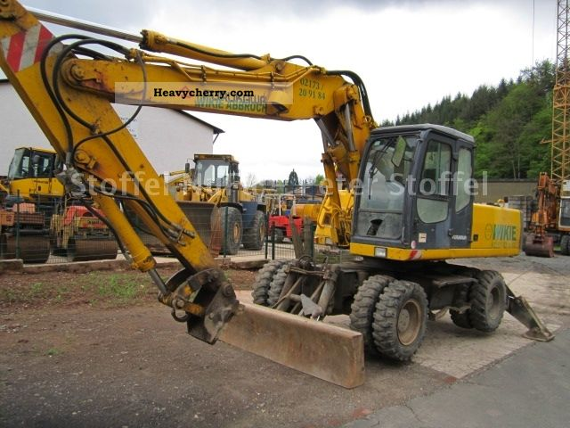 1999 Furukawa  W * 738 * LS Shield and claws Construction machine Mobile digger photo