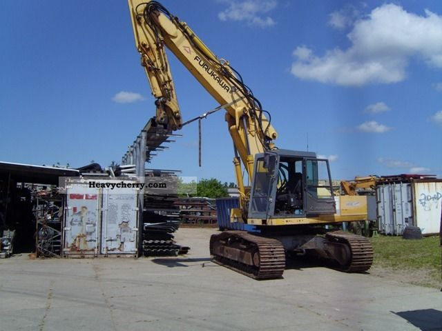 1995 Furukawa  64 OLS Construction machine Caterpillar digger photo