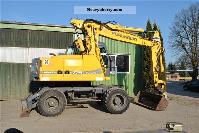 1997 Furukawa  W 725 LS Construction machine Mobile digger photo