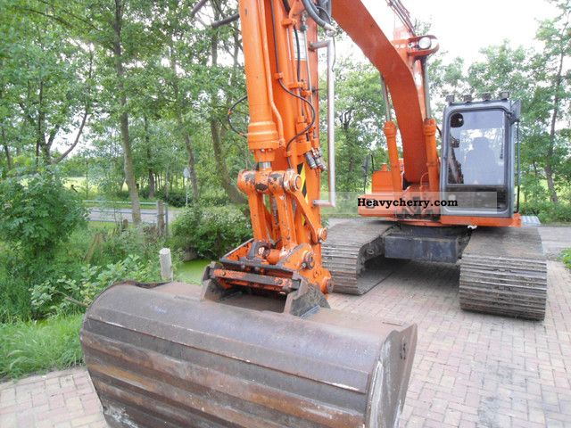1998 Hitachi  FH 150-3 Construction machine Caterpillar digger photo