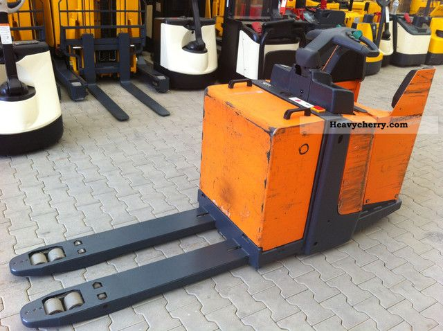 2004 Jungheinrich  ERE 220 Battery built in 2009 3x presence Forklift truck Low-lift truck photo