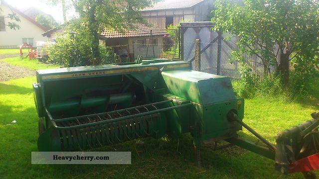 2012 John Deere  332 Agricultural vehicle Harvesting machine photo