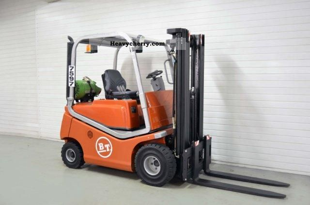 2004 BT  CBG 20, SS, TRIPLEX, 1405Bts ONLY! Forklift truck Front-mounted forklift truck photo