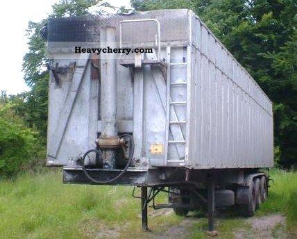 1992 Benalu  Sheet aluminum tipper / Steelsuspension Semi-trailer Tipper photo