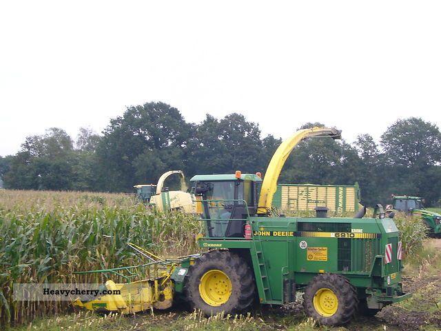 1996 John Deere  6910 Agricultural vehicle Harvesting machine photo