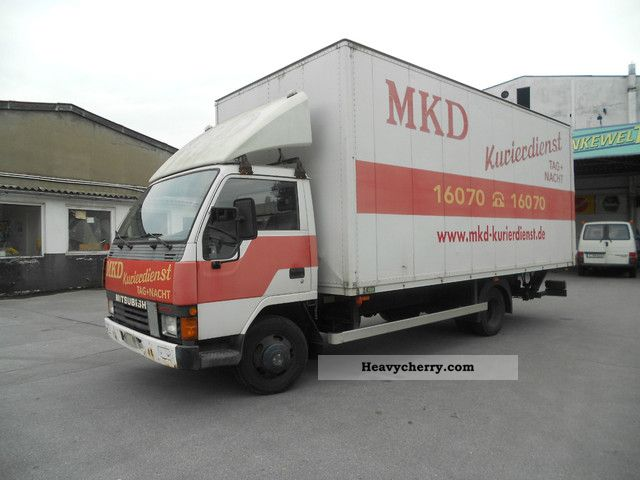 1995 Mitsubishi  CANTER \ Van or truck up to 7.5t Box photo