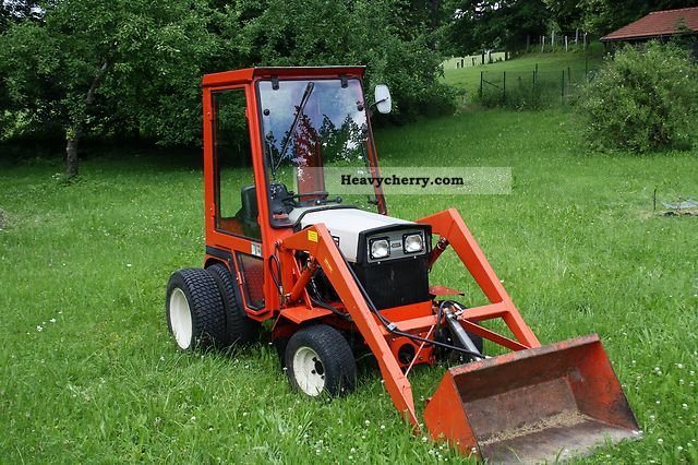 Gutbrod 2600 Da 1982 Agricultural Farmyard Tractor Photo