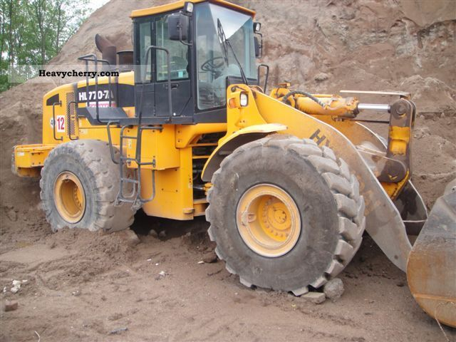 2007 Hyundai  770-7A Construction machine Wheeled loader photo