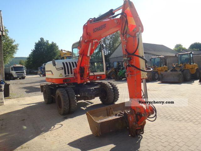 2002 Schaeff  HML 32 Construction machine Mobile digger photo