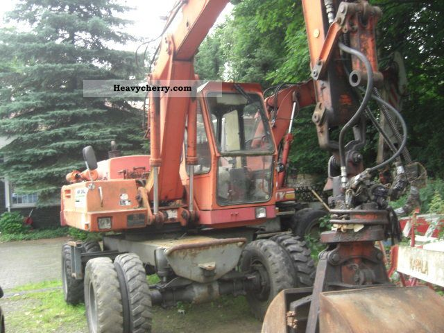 1984 Atlas  1301 Construction machine Mobile digger photo