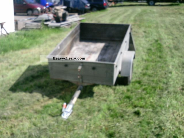 1975 Heinemann  400kg Trailer Stake body photo