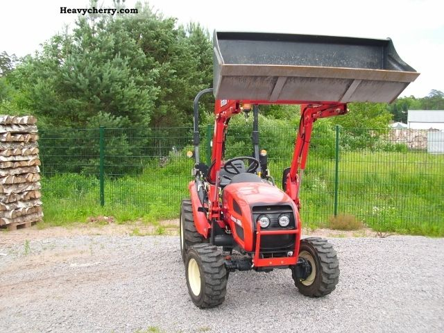 2011 Branson  2400 Hydrost Agricultural vehicle Tractor photo
