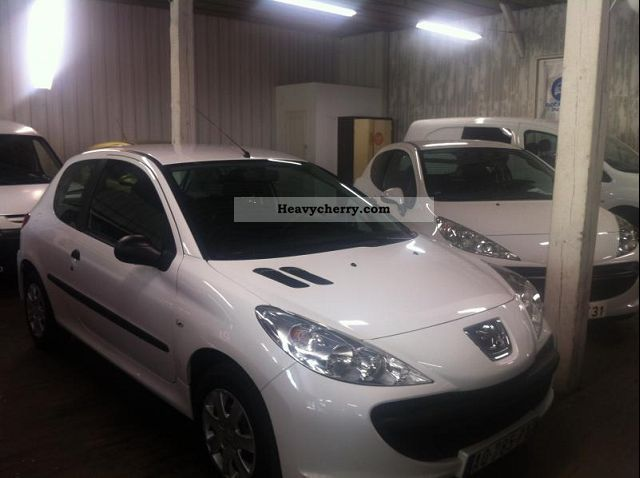 2010 Peugeot  206 + STE PACK CD CLIM 1.4 HDI Van or truck up to 7.5t Box-type delivery van photo