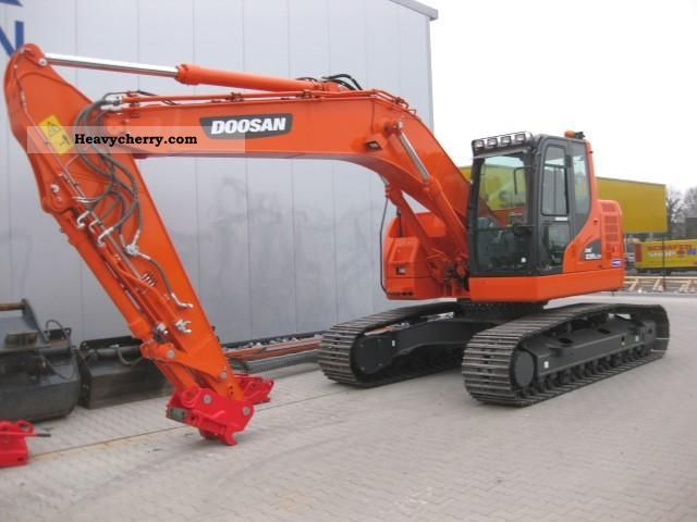 2012 Doosan  DX 235 LC demo machine Construction machine Caterpillar digger photo