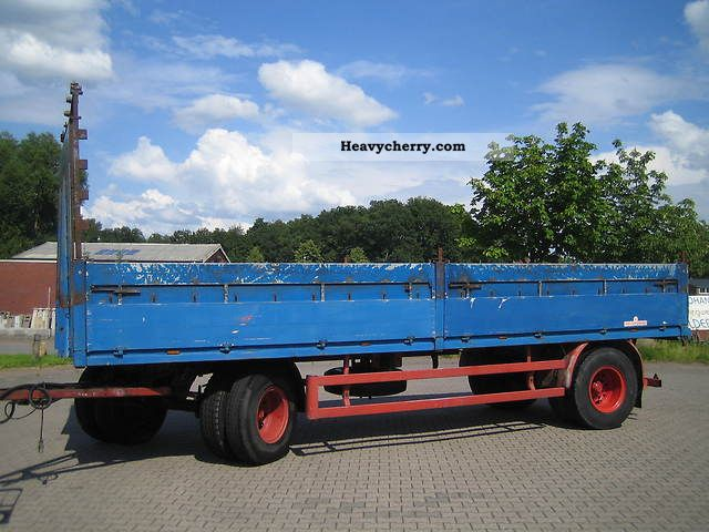 1975 Kassbohrer  Kässbohrer platform 7.50 m, straw trailer Trailer Stake body photo