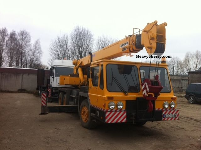 1983 Grove  TMS 180 Truck over 7.5t Truck-mounted crane photo
