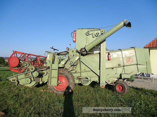 1966 Claas  mercur Agricultural vehicle Combine harvester photo