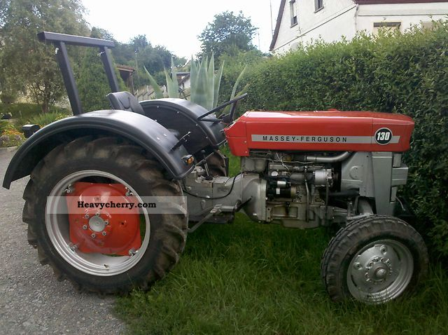 1970 Agco / Massey Ferguson  MF130 Agricultural vehicle Tractor photo