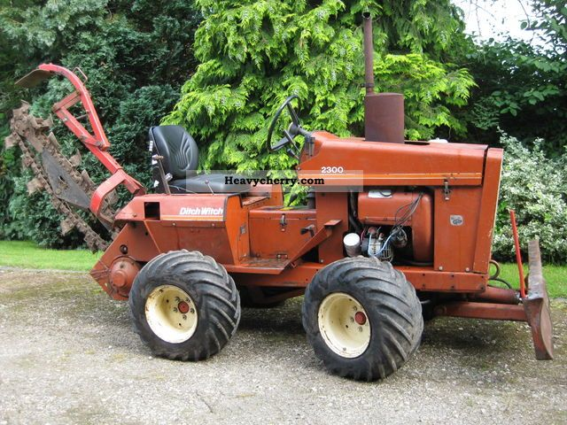 1981 Ditch Witch  2300 Construction machine Other construction vehicles photo