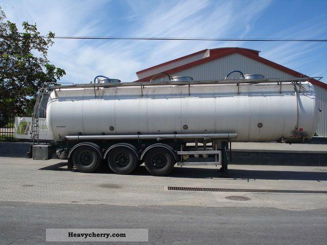 2004 Magyar  S34BD1 Semi-trailer Food tank photo