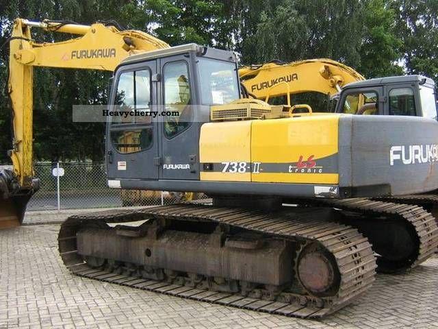 2001 Furukawa  738LS Construction machine Caterpillar digger photo