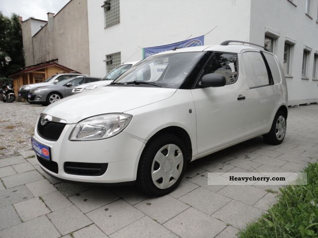 skoda roomster 1 4 tdi dpf air checkbook 2007 box type delivery van photo and specs. Black Bedroom Furniture Sets. Home Design Ideas
