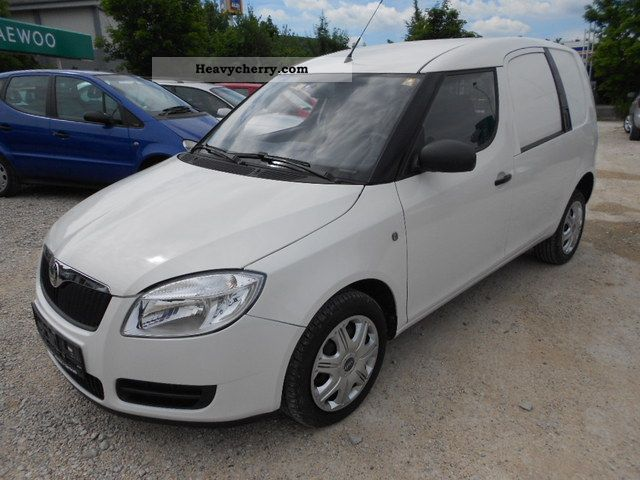 2009 Skoda  Practice 1.4 TDI Euro 4 air conditioning Van or truck up to 7.5t Box photo