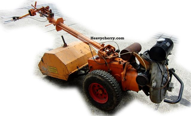 1984 Fortschritt  IFA East ET 081 Single axle with cutter Agricultural vehicle Harrowing equipment photo