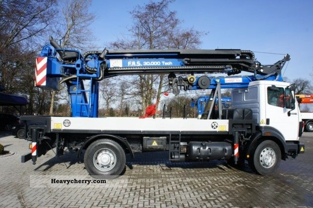 1994 Mercedes-Benz  Assembly crane, remote winch Truck over 7.5t Truck-mounted crane photo