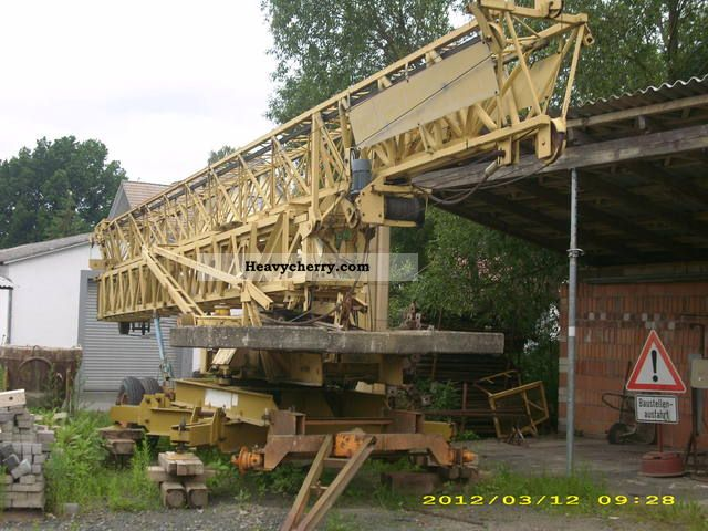 1982 Potain  320 B Construction machine Construction crane photo