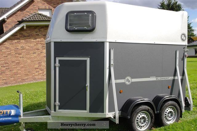 2011 Blomert  Graphite with tack room (Special Edition) Trailer Cattle truck photo