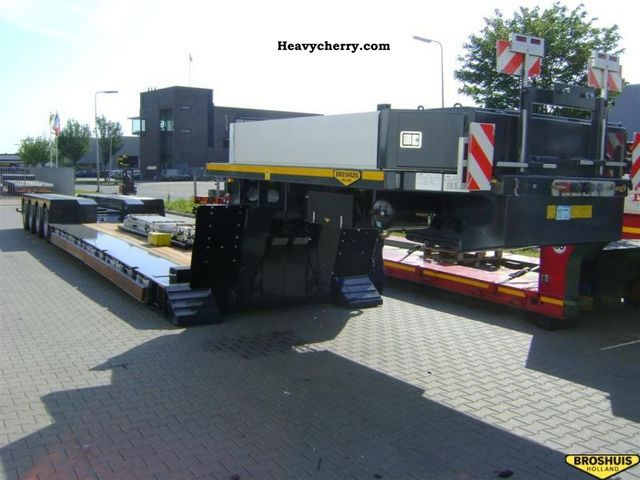 2012 Broshuis  4 ABD Semi-trailer Low loader photo