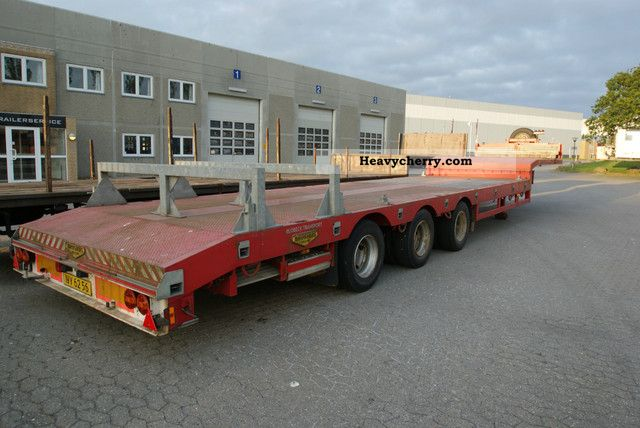 2007 Broshuis  Extendable low loader + alu. ramps Semi-trailer Low loader photo