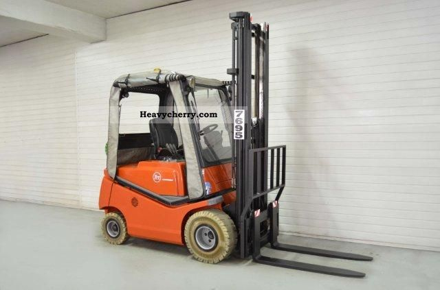 2004 BT  CBG 18 SS FREE LIFT, CAR Forklift truck Front-mounted forklift truck photo