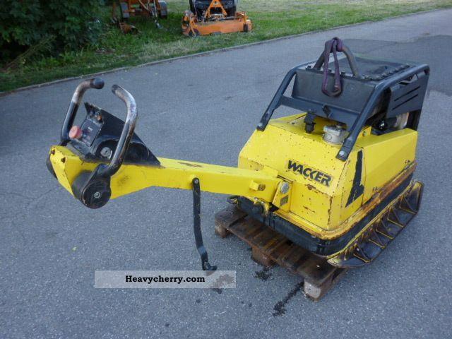 2001 Wacker  DPU 100-70 PLATE VIBRATORY * Rüttelplatte * E * START Construction machine Compaction technology photo