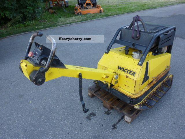 2001 Wacker  DPU 100-70 PLATE VIBRATORY * Rüttelplatte * E * START Construction machine Other construction vehicles photo