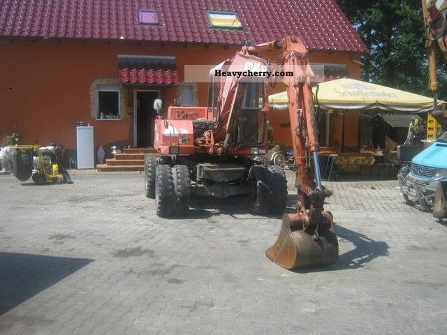 1991 Atlas  1004 state atlas in a good Construction machine Mobile digger photo
