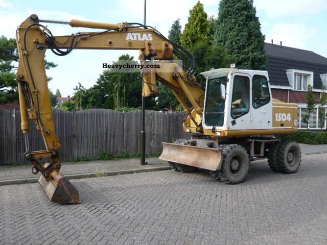 2001 Atlas  1504 Construction machine Mobile digger photo