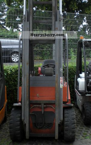 2002 BT  CBG 03.05 Forklift truck Front-mounted forklift truck photo