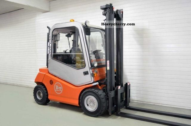 2004 BT  CBD 35, SS, CAB, ONLY 1747Bts! Forklift truck Front-mounted forklift truck photo