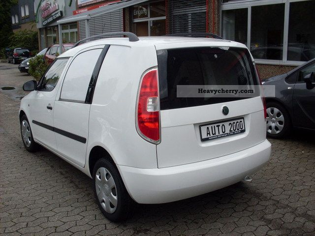 skoda roomster tdi 1 hand 2007 box type delivery van photo and specs. Black Bedroom Furniture Sets. Home Design Ideas
