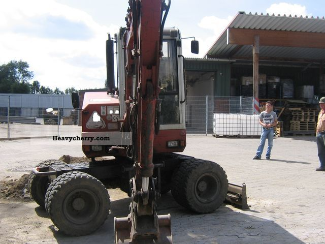 1998 Atlas  804 excavator bucket 2x tires 75% Construction machine Mobile digger photo