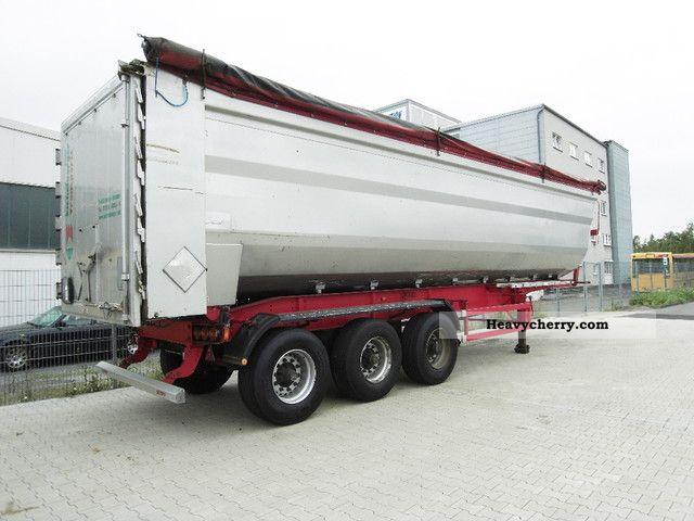 2004 Scheuerle  SKM34/3SR Semi-trailer Tipper photo
