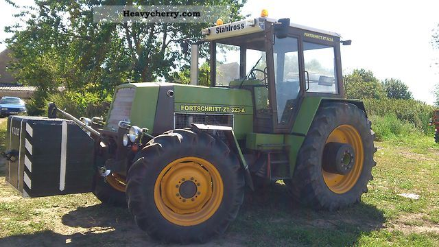 1991 Fortschritt  ZT 323A single piece Agricultural vehicle Tractor photo