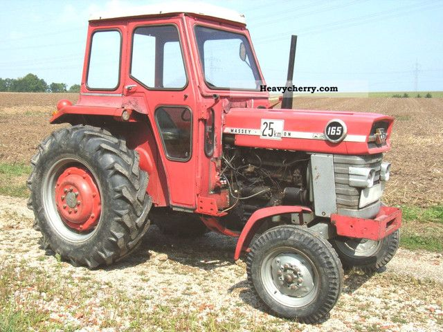 1967 Agco / Massey Ferguson  MF 165 Agricultural vehicle Tractor photo