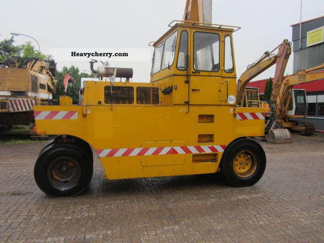 1992 Hamm  GRW 15 Rubber Roller ** ** Construction machine Rollers photo