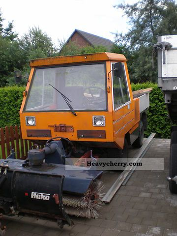 1983 Gutbrod  Road network model 3100 Agricultural vehicle Other substructures photo