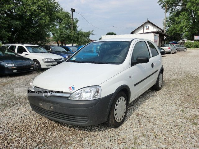 opel corsa 1 7 dti trucks euro 3 2003 box type delivery van photo and specs. Black Bedroom Furniture Sets. Home Design Ideas