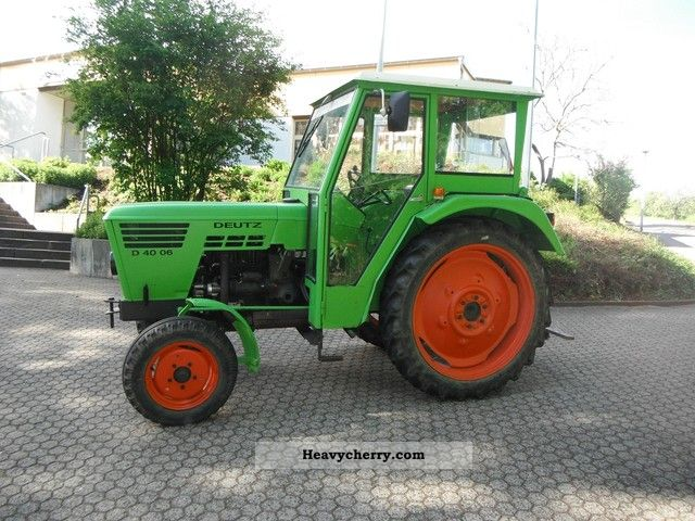 1975 Deutz-Fahr  D4006 with cabin! Agricultural vehicle Tractor photo
